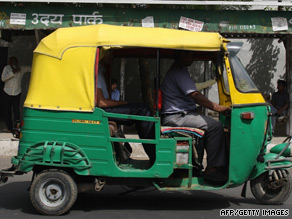 Auto-rickshaw drivers are being taught English ahead of the Commenwealth Games.