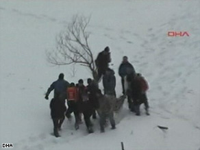 Rescue efforts are continuing at the Turkish resort of Zigana, where 10 people have died.