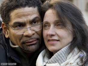 Multiple sclerosis sufferer Debbie Purdy, here with her husband Omar Puente in October 2008.