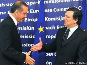 EC President Jose Manuel Barroso, right, welcomes Turkish PM Recep Tayyip Erdogan at a meeting in Brussels in Jaunuary.