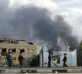 Israel halts attacks to let relief into Gaza