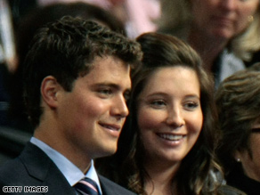 Palin says she and Johnston still plan to wed.
