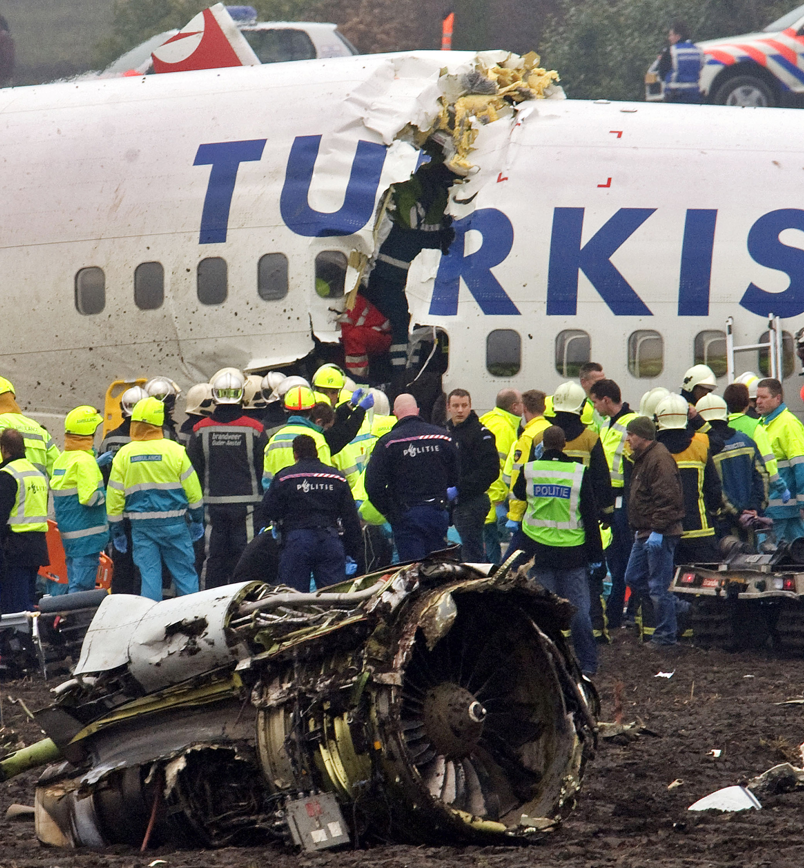 Toussaint Kluiters/Getty Images. The plane broke into three pieces as it crash landed short of the runway.