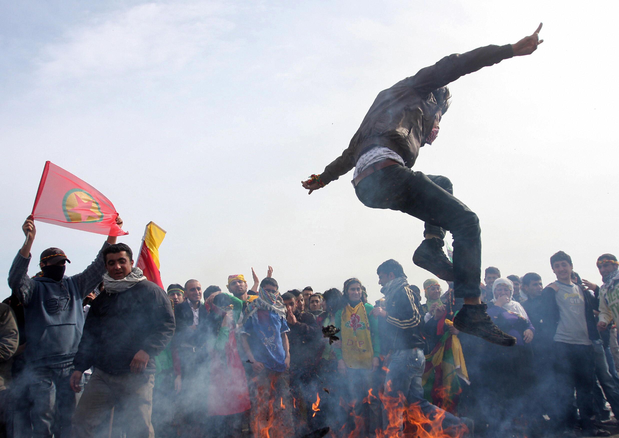 how to say happy nowruz in kurdish