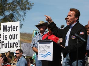 After Gov. Schwarzenegger spoke at a rally to raise awareness at California&#039;s water crisis, fellow Republican Rep. Devin Nunes said the governor should resign.
