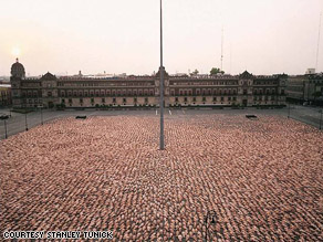 A 2007 Tunick installation in Mexico City.