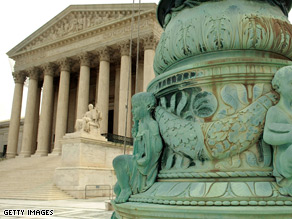 The Obama Administration Tuesday urged the Supreme Court to drop the stay which temporarily halted the sale of Chrysler.