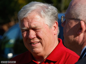 Mississippi Gov. Haley Barbour said Tuesday that he would not 'critique' RNC Chairman Michael Steele.