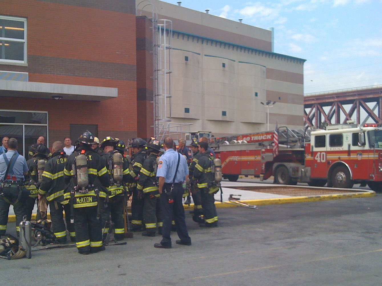 Firefighters in front of the simulator