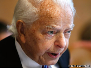 Sen. Robert Byrd returned to the Senate for a vote Tuesday.