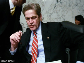 Former senator Norm Coleman has been diagnosed with Bell&#039;s palsy .