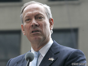 George Pataki is backing Hoffman over the Republican Party&#039;s choice.