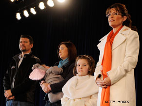 Palin&#039;s daughter Piper, pictured above to Palin&#039;s right, traveled with the former Alaska governor throughout the 2008 campaign.