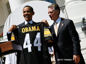 President Obama to appear with NFL players for Thanksgiving public service announcement.