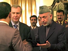 Hamid Karzai with Belgium's Prime Minister Yves Leterme