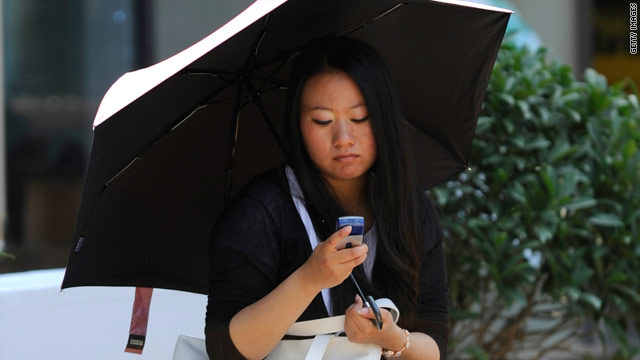 While more U.S. adults have smartphones that run apps, only about 24 percent actually use them, a new survey says.
