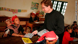 Voluntourism: Pros and cons