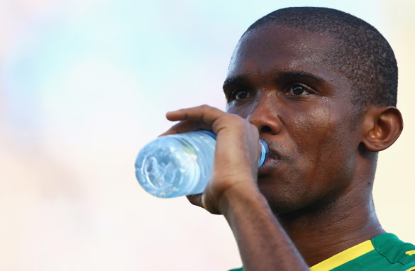 Samuel Eto&#039;o joined Cameroon on time despite the protestations of Jose Mourinho.