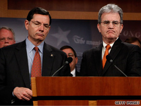 Sens. Barasso, left, and Coburn led a group of Republican doctors who spoke out against the Democratic health care reform bill Thursday.