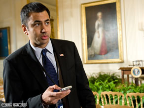  Kal Penn has left his position with the White House Office of Public Engagement.
