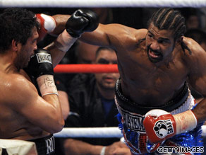 David Haye (R) on his way to another win.