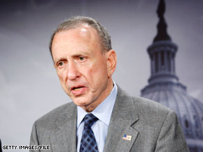 Sen. Arlen Specter was not able to match the fundraising pace set by Pat Toomey in the first quarter.