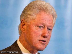 Former President Bill Clinton responded to questions posed by Digg users.