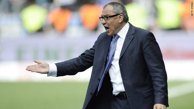 Felix Magath will go down in history if you can lead Schalke to the Bundesliga title.