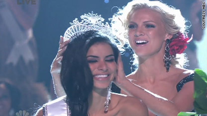 Pictures strip Miss usa pole