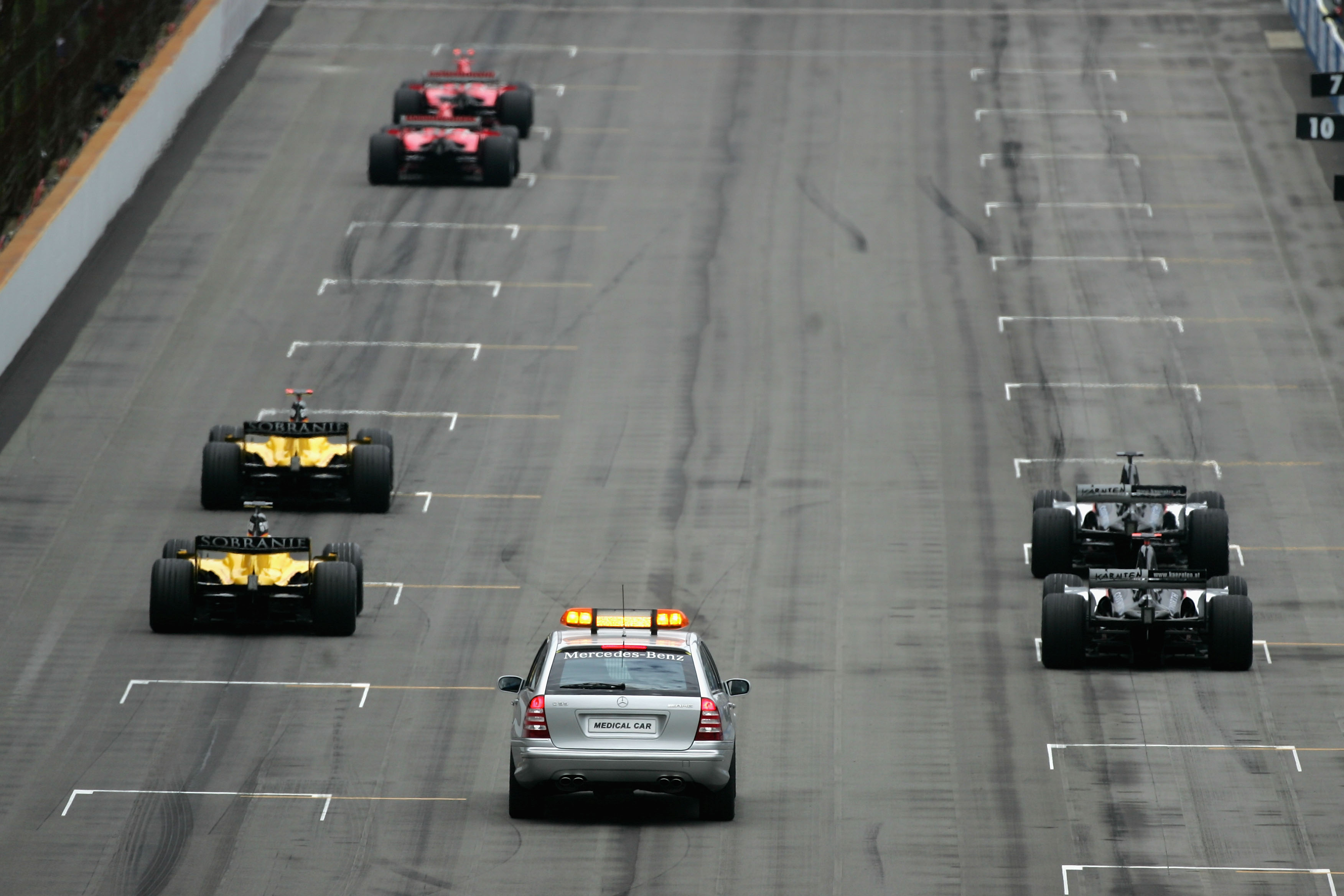 Only six cars lined up on the grid for the 2005 US Grand Prix  in Indianapolis.