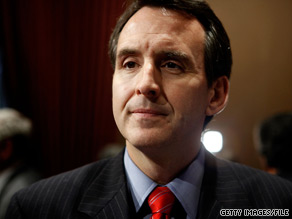Minnesota Gov. Pawlenty lent a hand to Nikki Haley on Tuesday.
