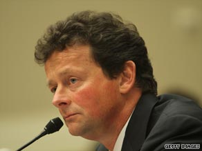 Lawmakers accused BP chief Tony Hayward of not cooperating with an investigation into the Gulf of Mexico oil spill.