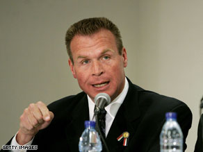 Arizona Senate candidate J.D. Hayworth slammed Sen. John McCain from the U.S.-Mexico border on Sunday.