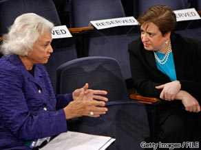 Former Supreme Court Justice Sandra Day O'Connor (L) talks with Elena Kagan May 20, 2009 in Washington, DC.