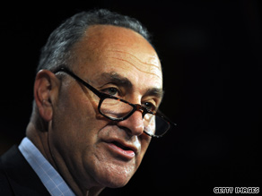 Sen. Charles Schumer penned an open letter to Apple CEO Steve Jobs on Thursday.