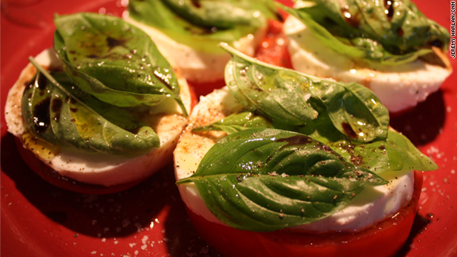Lick the screen – Caprese salad