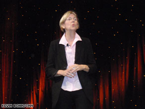 Elizabeth Warren received a warm at Netroots Nation on Saturday.