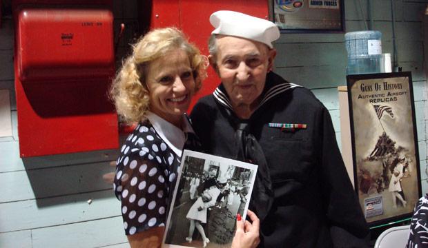 Nurse sailor kisses