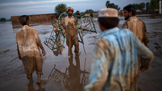 More rain falls on flood-ravaged Pakistan