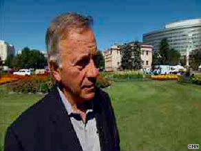  Colorado gubernatorial candidate Tom Tancredo told CNN Tuesday that he wants to deny public school funding to the children of illegal immigrants.