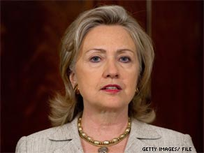  Secretary of State Hillary Clinton asked lawmakers to ratify a nuclear arms treaty with Russia on Wednesday.