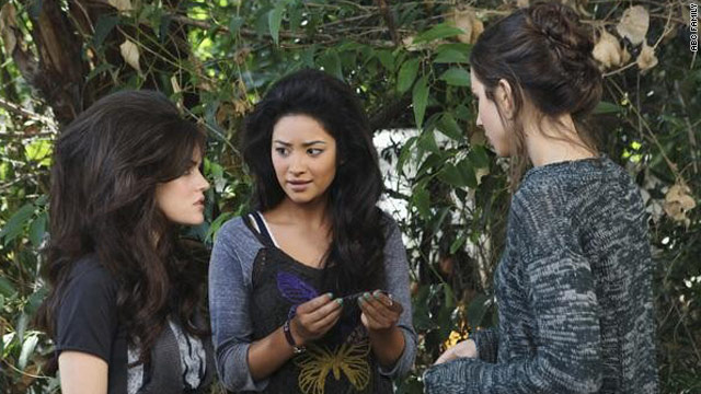 'Pretty Little Liars' ends with a... crash