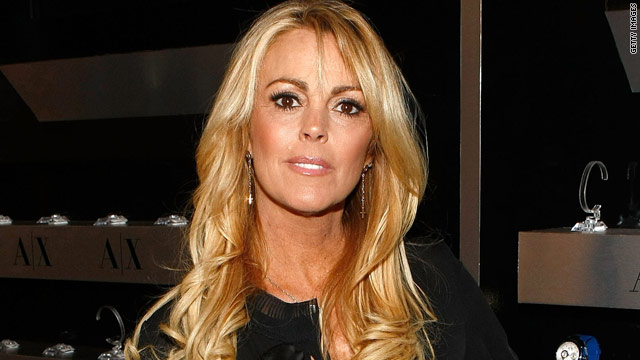 Dina Lohan: Lindsay's doing wonderfully
