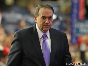 Former Arkansas Gov. Mike Huckabee, the come-from-behind GOP winner of the Iowa Caucuses in 2008, is the early choice of Hawkeye State Republicans again, a new poll shows.