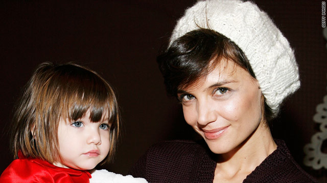 Suri Cruise plays stylist for mom Katie Holmes