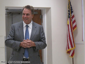 Florida Senate candidate Jeff Greene says he'll sue two Florida newspapers if they don't retract three stories they've published about him.