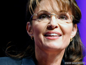 Political watchers will closely watch Palin's address in Iowa.