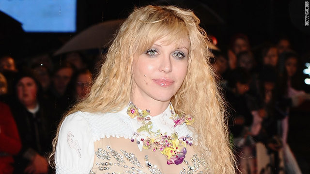 Courtney Love pleads with daughter via Twitter