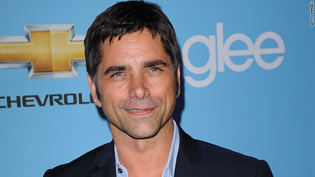 John Stamos goes from 'Glee' boycott to show guest star