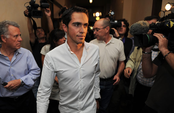 Alberto Contador tested positive for the banned substance Clenbuterol, it was revealed on Thursday.